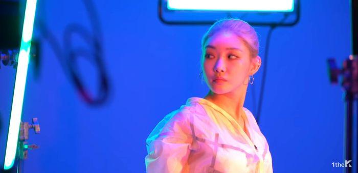 Trước thềm tái xuất cùng I.O.I, Chungha đánh lẻ với MV hợp tác cùng rapper Mommy Son - Hình 1