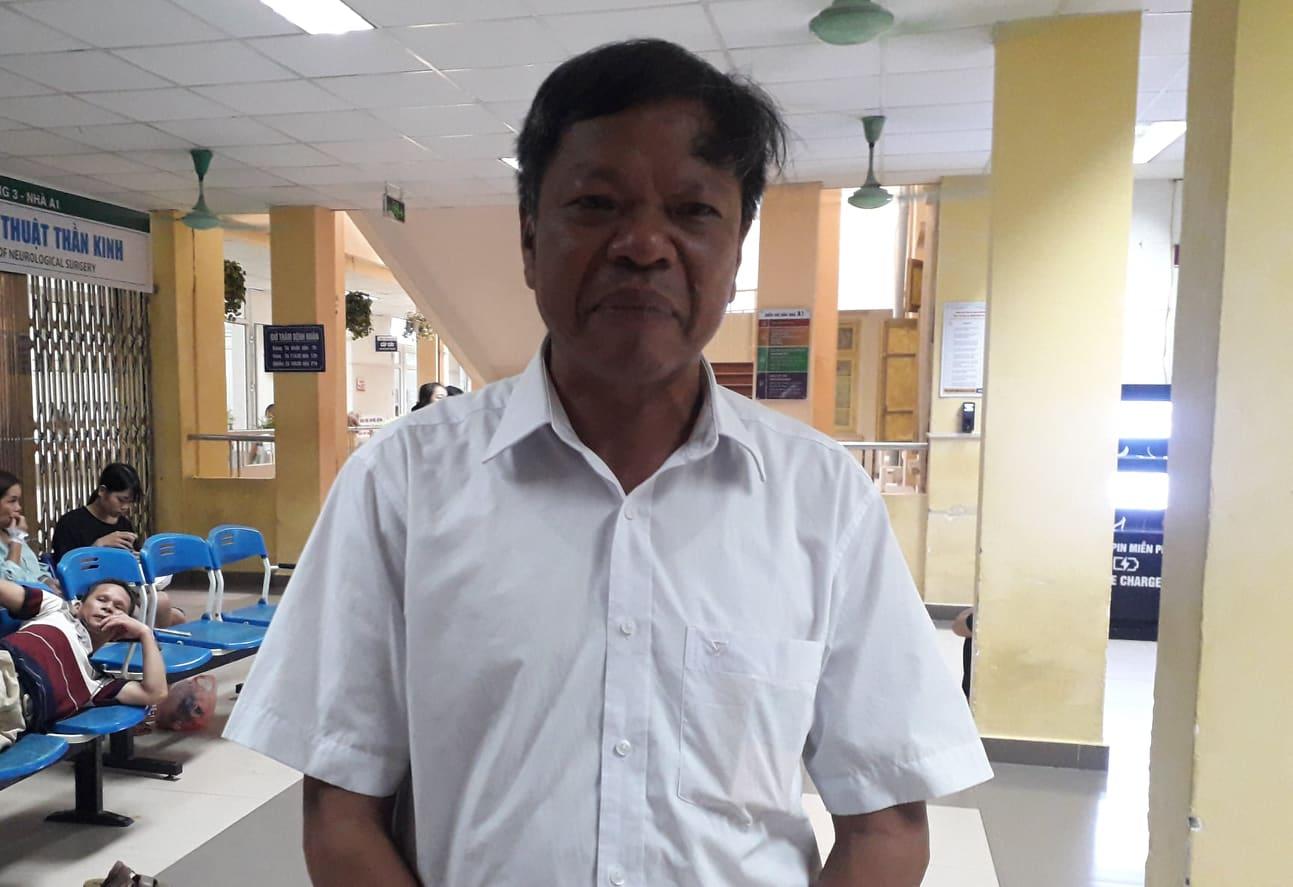 Văn Quyết, Quang Hải vào viện thăm nữ nhà báo bị bỏng vì trúng pháo - Hình 2