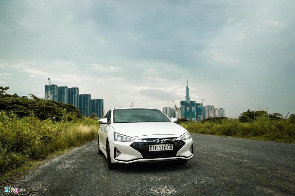 Mua sedan thể thao, nên chọn Honda Civic RS hay Hyundai Elantra Sport? - Hình 21