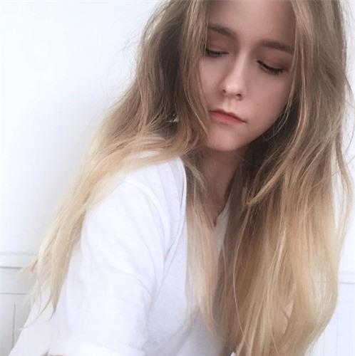 Dân mạng bấn loạn vì cô gái tóc vàng đẹp như thiên thần - Hình 7