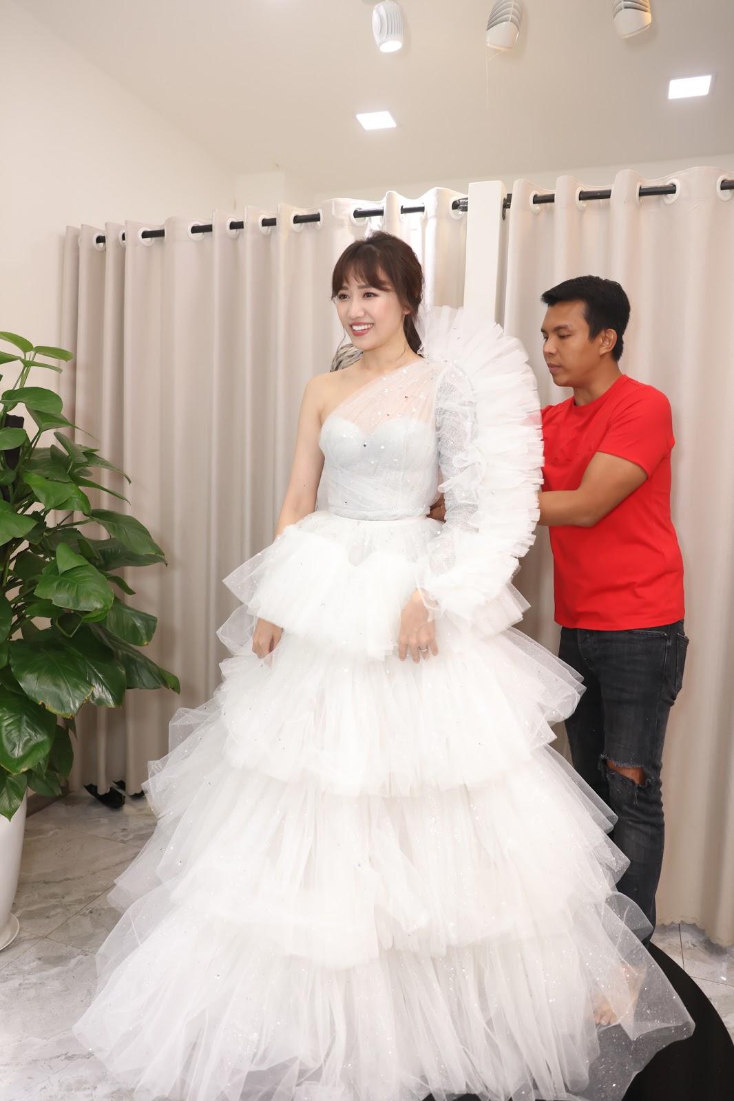 Hari Won chi hàng trăm triệu đồng tiền trang phục cho concert đầu tiên trong sự nghiệp - Hình 6