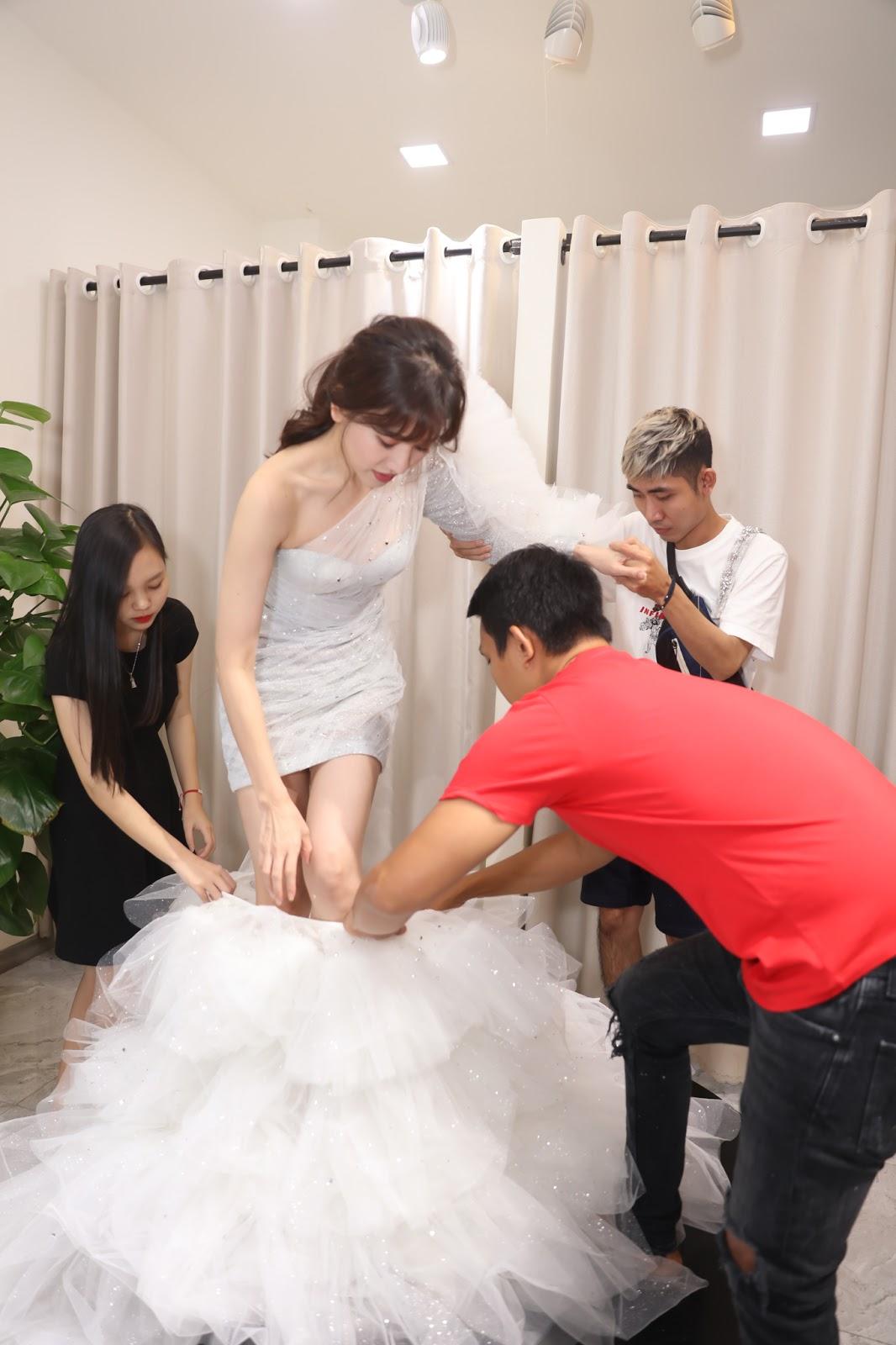 Hari Won chi hàng trăm triệu đồng tiền trang phục cho concert đầu tiên trong sự nghiệp - Hình 5