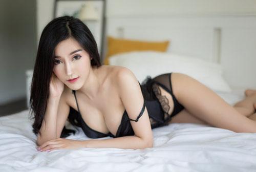 'Nghẹt thở' với body của người mẫu xe hơi 'hot' nhất nhì Thái Lan - Hình 1