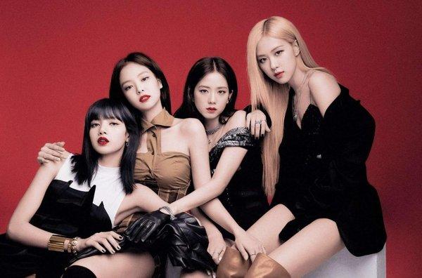 Bị ném đá vì sản xuất goodie xấu, YG cho ra mắt hàng trăm sản phẩm đẹp choáng váng dành cho BLINK - Hình 1