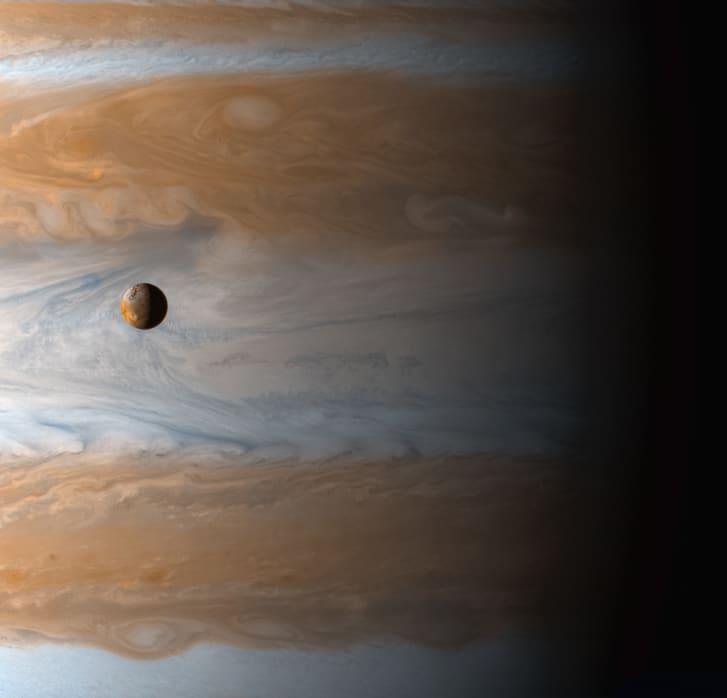 Nasa công bố những bức ảnh thú vị về vũ trụ sau 60 năm khám phá - Hình 2