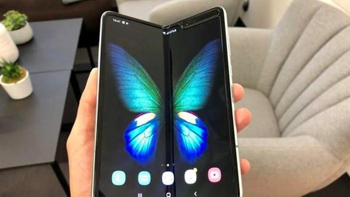Samsung sẽ bán Galaxy Fold tại thị trường Mỹ từ ngày 27/9 - Hình 1