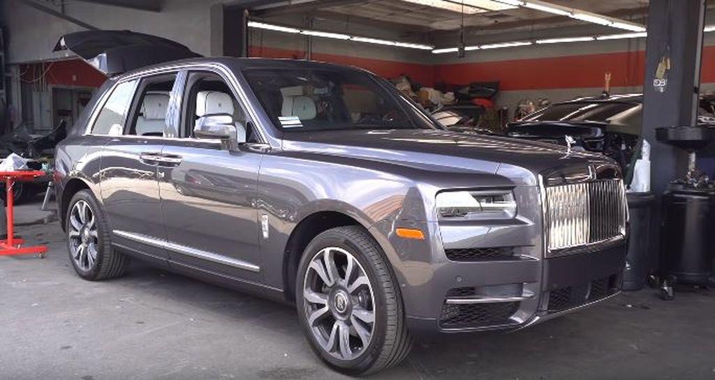 Chiêm ngưỡng Rolls-Royce Cullinan phiên bản Hoàng tử bạch mã với bộ mâm khủng 26 inch - Hình 1