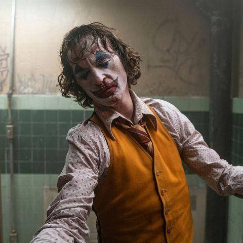 Joker bị chỉ trích vì chứa nhiều cảnh bạo lực, Warner Bros vội lên tiếng bênh vực con cưng! - Hình 2