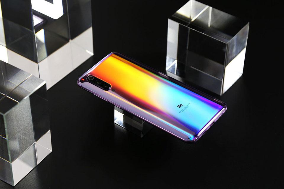 Trên tay Xiaomi Mi 9 Pro 5G: Chip Snapdragon 855 plus, sạc không dây nhanh nhất thế giới, giá 520 USD - Hình 1