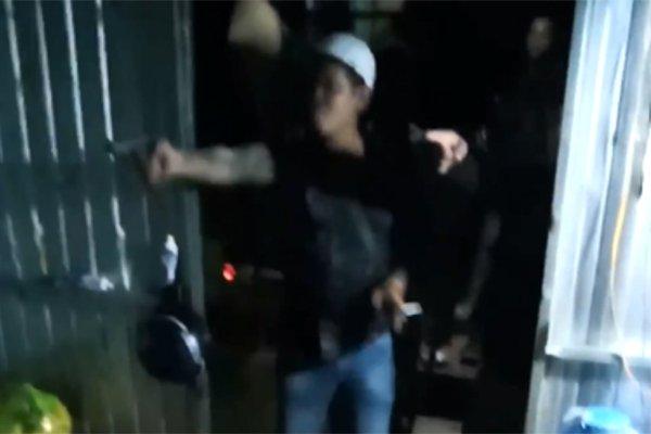 Clip: Tranh chấp đất đai ở Đắk Nông, nhóm người nổ súng bắn nhau như phim hành động Mỹ - Hình 1