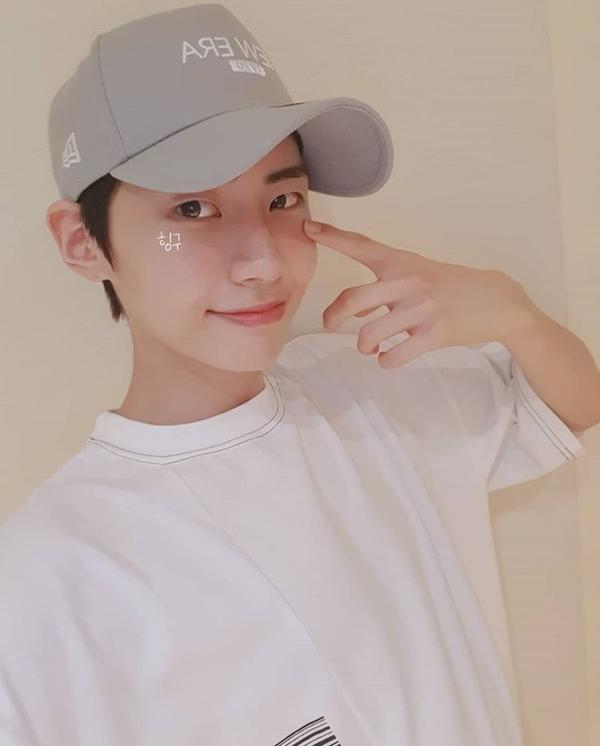 Fan phấn khích với ảnh selfie của Lee Jin Hyuk - Kim Woo Seok (X1): Tình bạn cảm động nhất Produce X 101! - Hình 7