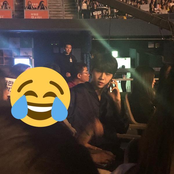 Fan phấn khích với ảnh selfie của Lee Jin Hyuk - Kim Woo Seok (X1): Tình bạn cảm động nhất Produce X 101! - Hình 11