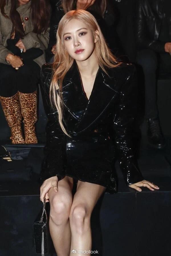 Dự sự kiện quốc tế, Rosé (BLACKPINK) vẫn tranh thủ ở lại hẹn hò nhân vật đặc biệt và còn khoe ảnh kèm tag nhẹ - Hình 1
