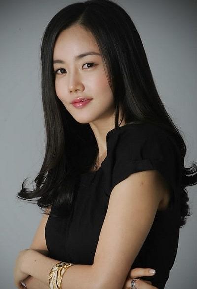 Goo Hye Sun tố chồng ngoại tình với bạn diễn nữ, fan lục lại phim của Ahn Jae Hyun sau khi cưới - Hình 10