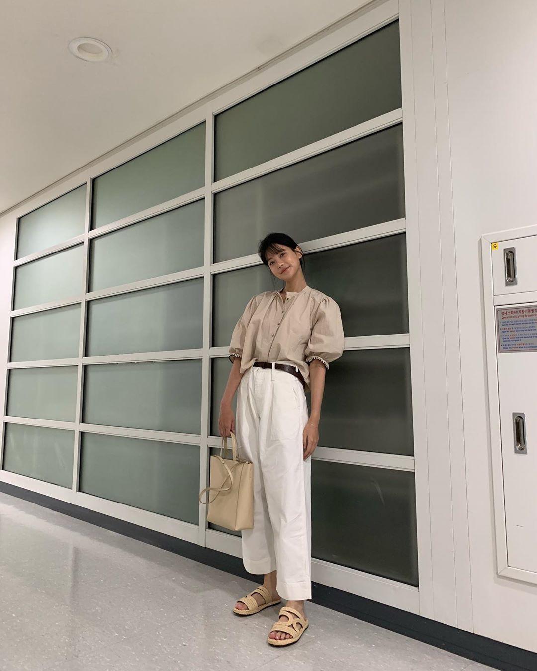 Tiểu tam tin đồn đòi kiện Goo Hye Sun: Thường xuyên lên đồ như nữ sinh, nói đã hơn 30 tuổi chắc chẳng ai tin - Hình 11
