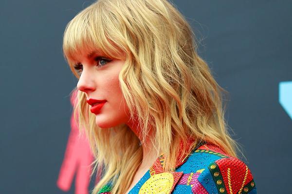 9 album hợp sức không bằng một nửa doanh thu tuần đầu của Lover: Ai nói Taylor Swift flop? - Hình 2