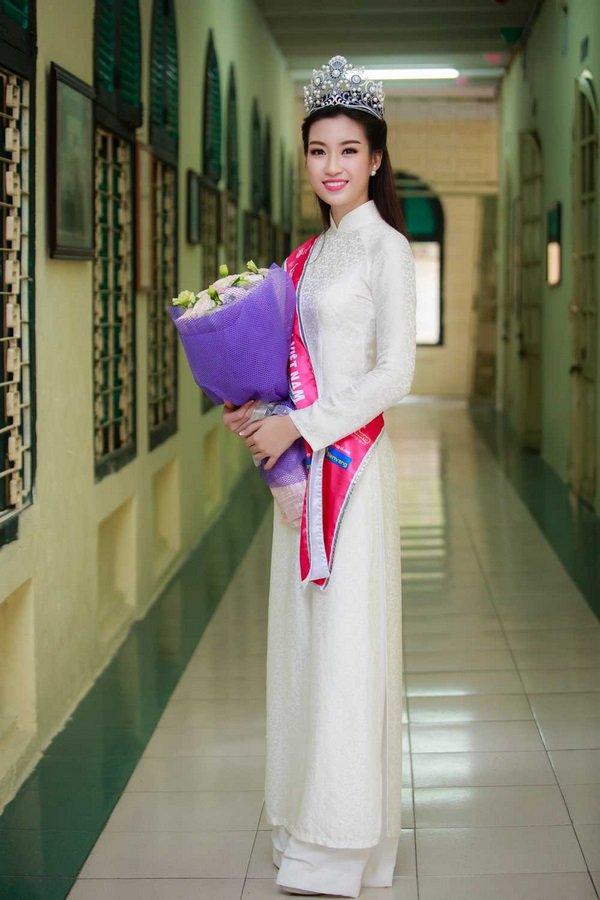 Ngày khai giảng, khoảnh khắc với áo dài trắng của các nàng Hậu Việt thuở nào lại gây xao xuyến - Hình 9