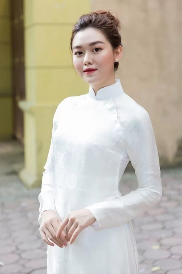 Ngày khai giảng, khoảnh khắc với áo dài trắng của các nàng Hậu Việt thuở nào lại gây xao xuyến - Hình 11