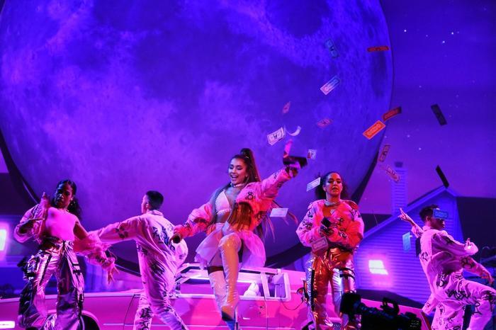 Ariana Grande hủy bỏ toàn bộ sự kiện Meet&Greet trong lịch trình biểu diễn tại châu Âu - Hình 1