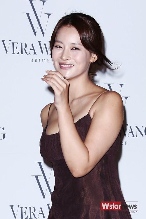So kè nhan sắc màn ảnh giữa Goo Hye Sun và Oh Yeon Seo: Tam Tạng bỗng thành tiểu tam tin đồn chỉ vì quá quyến rũ? - Hình 28