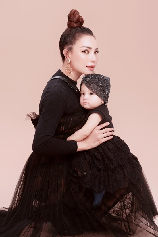 Trà Ngọc Hằng làm mẫu cùng con gái - Hình 12