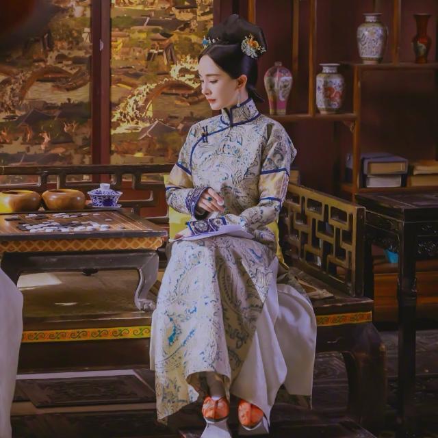Dương Mịch tái diễn thước phim cung đình nhà Thanh đứng ở vị trí số 1 nhiệt sưu - Hình 1
