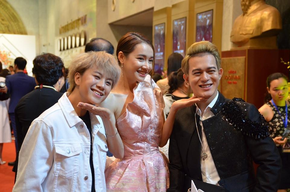 Thảm đỏ VTV Awards 2019: Tiểu tam Quỳnh Nga, Thu Quỳnh...gợi cảm hút mắt - Hình 6