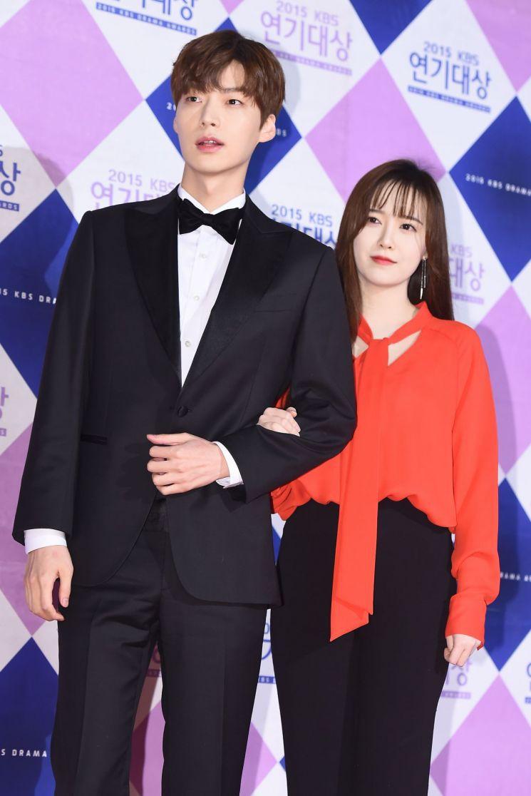 Ahn Jae Hyun chính thức gửi lời xin lỗi sau bao ngày im lặng, tuyên bố sẽ tiết lộ mọi bí mật phía sau cuộc hôn nhân - Hình 1