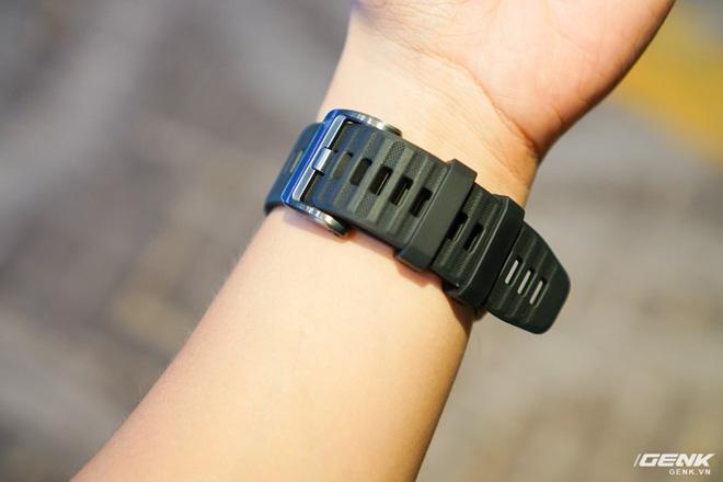 Cận cảnh Garmin Fenix 6X Pro Solar: Smartwatch đầu tiên nạp pin bằng năng lượng Mặt Trời, giá lên đến gần 29 triệu đồng cho bản cao cấp nhất - Hình 14