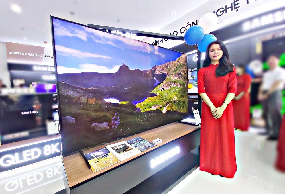 Samsung mở cửa hàng thương hiệu lớn thứ 3 tại Việt Nam - Hình 1