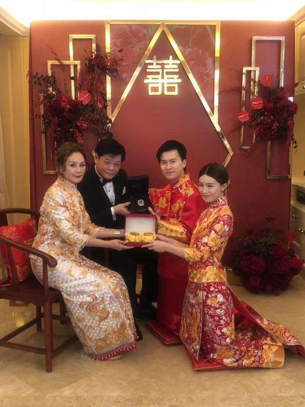 Sao nữ Thiên long bát bộ kết hôn với bạn trai đại gia - Hình 3