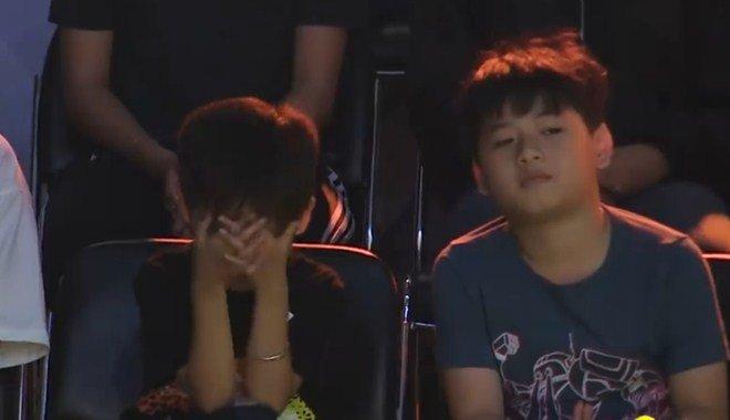2 con Lâm Vỹ Dạ hút toàn bộ khán giả: Sợ bị mẹ đuổi ra đường, không dám nghe bố - Hình 6