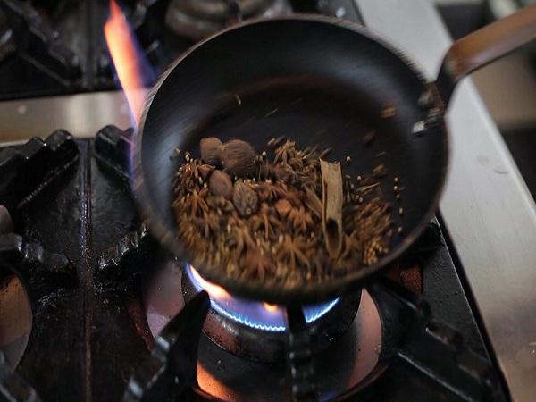Cách nấu phở gà ngon, đơn giản ngay tại nhà - Hình 5