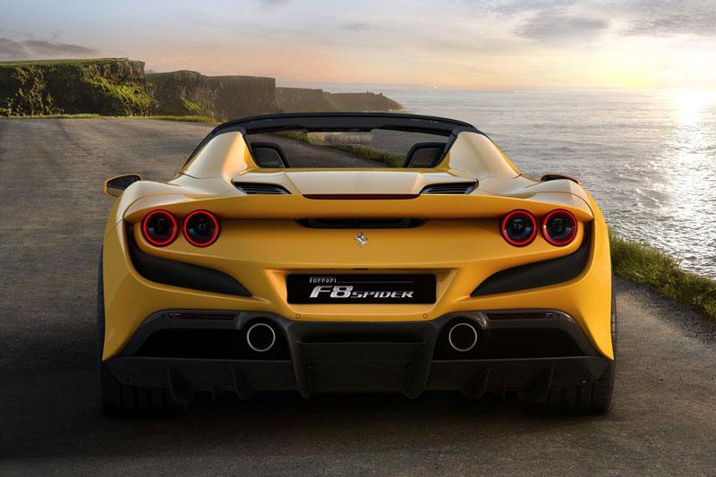 Ferrari ra mắt siêu xe mui trần mạnh 711 mã lực - Hình 4