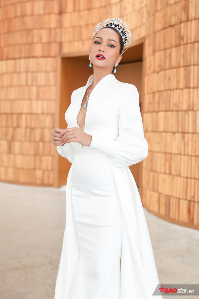 HHen Niê: Thúy Vân xứng đáng trở thành Hoa hậu Hoàn vũ Việt nam, tôi không đủ sức huấn luyện chị ấy - Hình 6