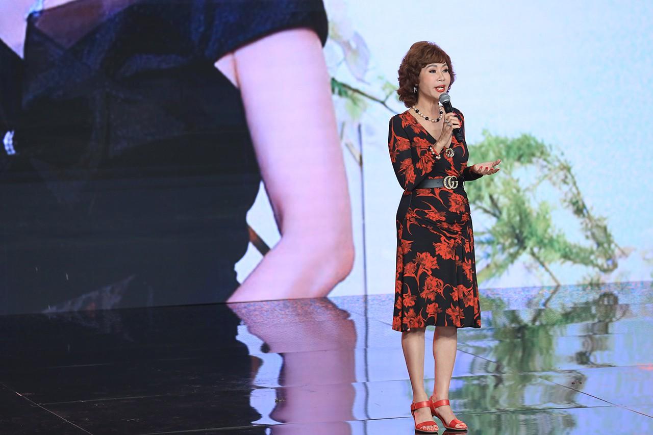 Ký ức vui vẻ: Vỡ òa khi Hoa hậu HTV lần đầu xuất hiện, tiết lộ tuổi thật U60 khiến ai cũng ngỡ ngàng - Hình 4