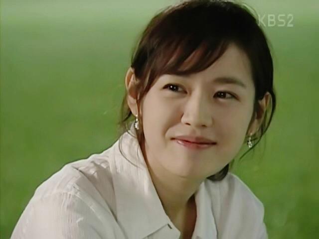 Netizen Hàn đào mộ loạt khoảnh khắc của Son Ye Jin: 16 năm và chị đẹp vẫn là nữ thần của mọi nữ thần - Hình 5