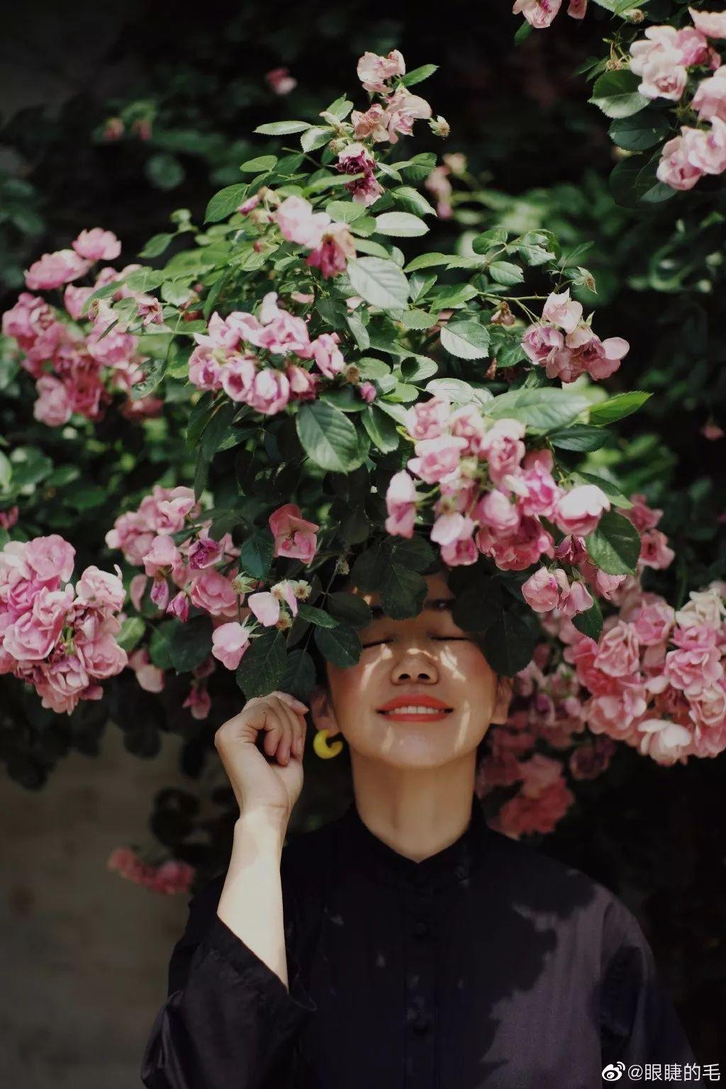 Cô gái trẻ bỏ ra 1,3 tỷ đồng cải tạo đất, mua giống hoa, biến sân nhà thành khu vườn đẹp lung linh - Hình 11