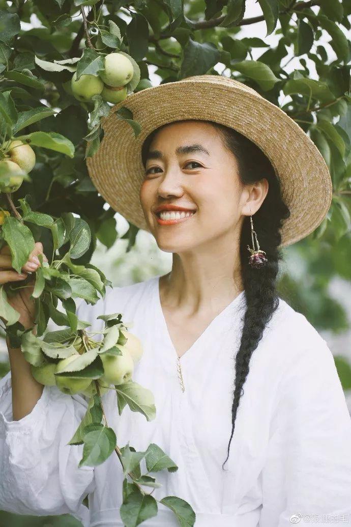 Cô gái trẻ bỏ ra 1,3 tỷ đồng cải tạo đất, mua giống hoa, biến sân nhà thành khu vườn đẹp lung linh - Hình 14