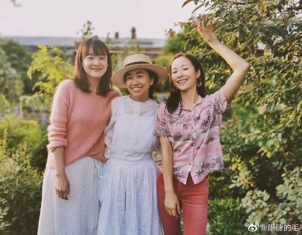 Cô gái trẻ bỏ ra 1,3 tỷ đồng cải tạo đất, mua giống hoa, biến sân nhà thành khu vườn đẹp lung linh - Hình 27