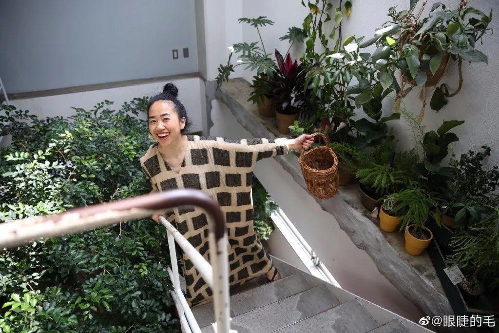 Cô gái trẻ bỏ ra 1,3 tỷ đồng cải tạo đất, mua giống hoa, biến sân nhà thành khu vườn đẹp lung linh - Hình 18