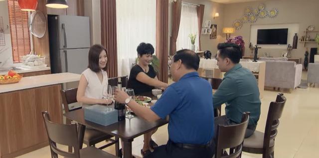 Những nhân viên gương mẫu - Tập 18: Vợ cũ của chồng Liên (Thu Trang) bất ngờ trở về - Hình 1