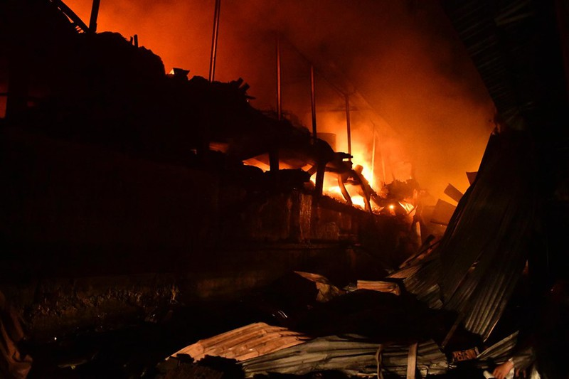 Phường hay Quận nên bị kiểm điểm trong vụ khuyến cáo rò rỉ chất độc thủy ngân sau vụ cháy nhà máy Rạng Đông - Hình 1