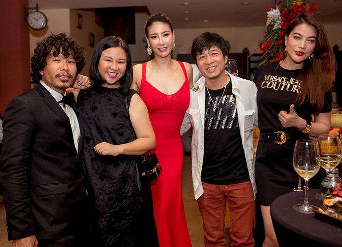 Dàn sao dự tiệc tất niên tại biệt thự của Hà Kiều Anh - Hình 5