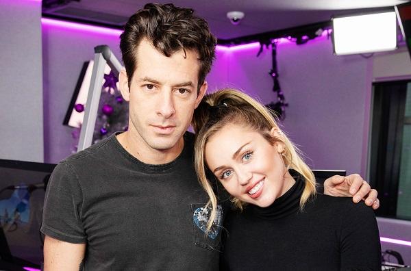 Miley Cyrus vừa mập mờ thông báo comeback, Mark Ronson đã nhá hàng màn hợp tác mới - Hình 1
