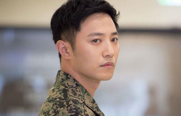 Mỹ nam Hoa - Hàn đọ sắc khi diện quân phục: ai mới là chàng quân nhân đẹp nhất? - Hình 2