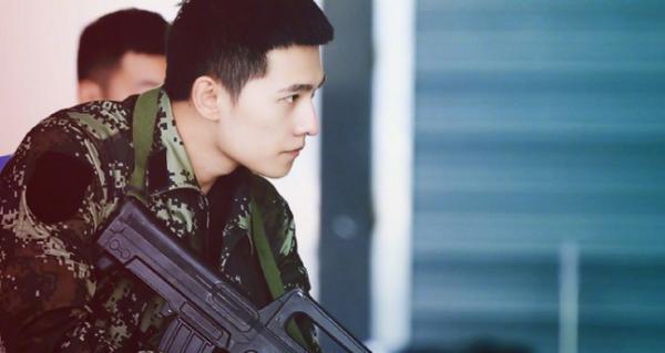 Mỹ nam Hoa - Hàn đọ sắc khi diện quân phục: ai mới là chàng quân nhân đẹp nhất? - Hình 4