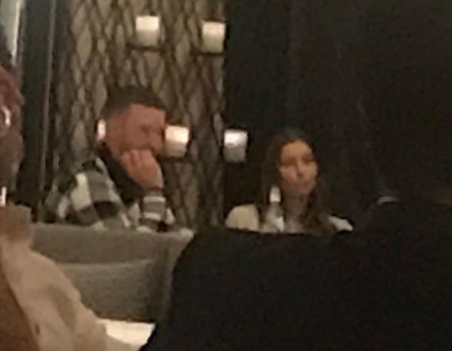 Justin Timberlake đi ăn tối với vợ - Hình 1