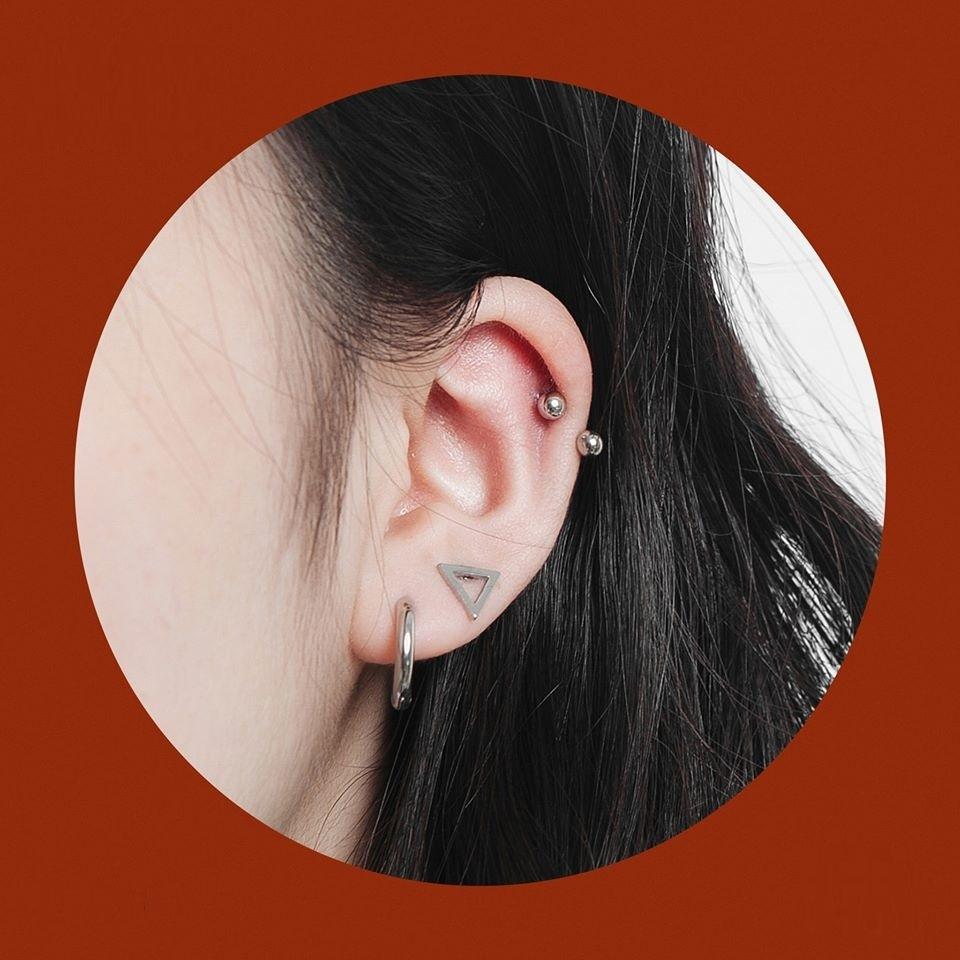 5 kiểu xỏ khuyên tai đẹp và phong cách năm 2020 - Hình 1
