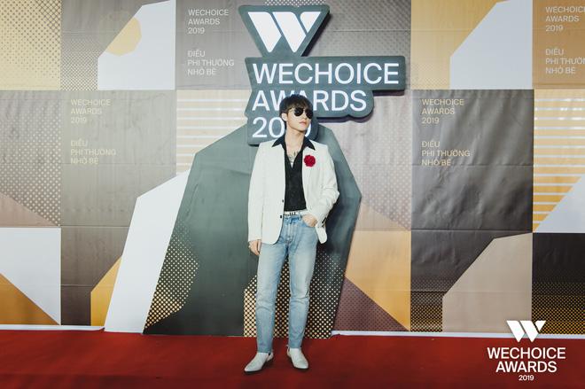 Visual nức nở thảm đỏ WeChoice Awards: Sơn Tùng M-TP chuẩn chủ tịch, đẹp trai và ngầu thế này ai chịu nổi? - Hình 1